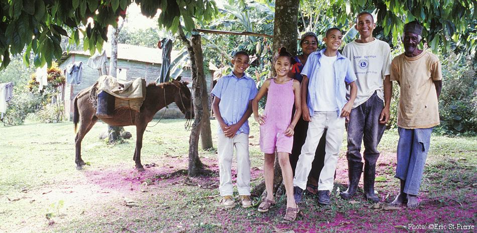 Olga Lidia de Jesus et sa famille dans le village de Yanabo en République Dominicaine.@EricStPierre